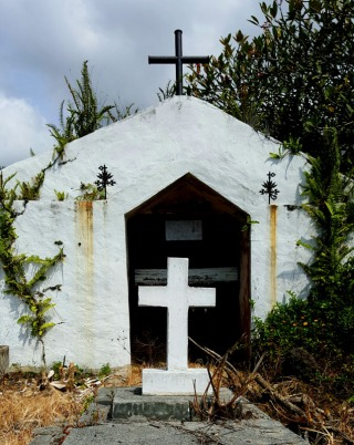 Painted Church Graveyard, Captain Cook: October 2, 2016